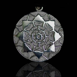 Lotus Shield - 14K White Gold